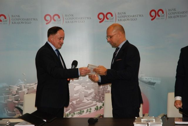 - Signing of the agreement for financing of Koszyki Hall project