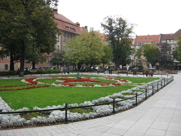 Daszyński Square in Opole, pic by Daviidos, © Source: http://pl.wikipedia.org/wiki/Opole, license: [CC-BY-SA 3.0 Deed]